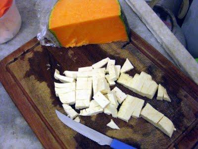 Massa com abóbora, queijo e rúcula