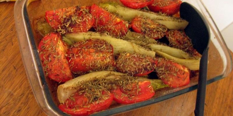 Erva-doce e tomates assados