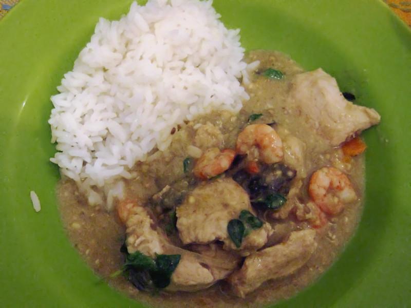 แกงเขียวหวาน (Curry verde tailandês)